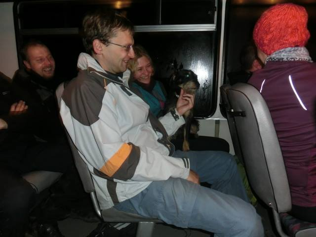 5Cesta busem se zvracecí Střapinkou byla dost napínavá...